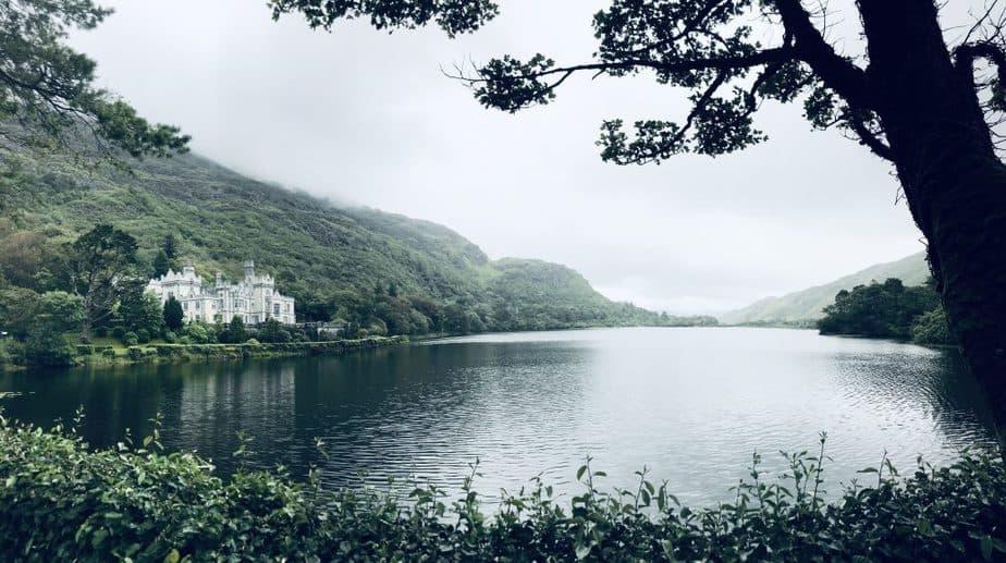 A picture of Kylemore abbey castle